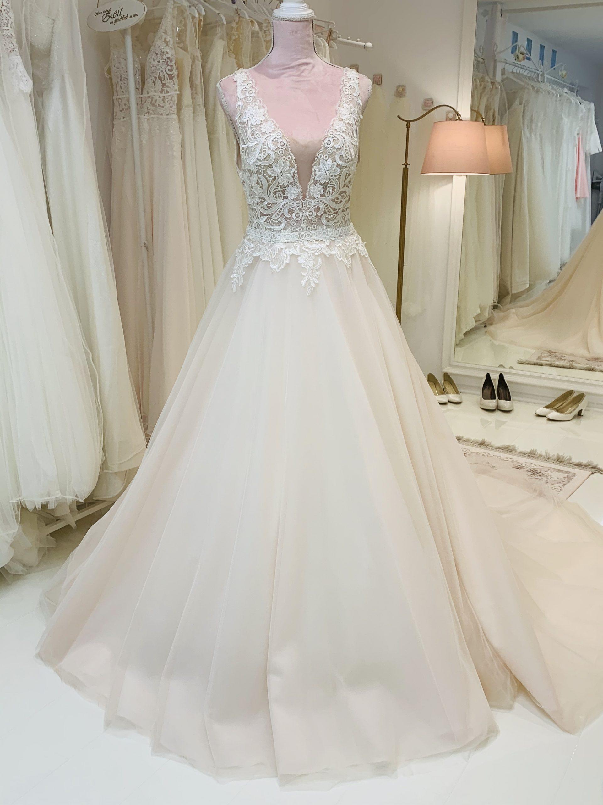 Brautkleid 2 - Vollansicht